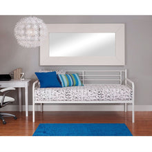 Load image into Gallery viewer, Twin size Contemporary White Metal Daybed Frame