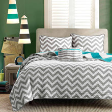 Load image into Gallery viewer, Full Queen size 3-Piece Quilt Set Reversible Chevron Stripe Gray White Teal