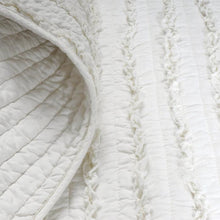 Load image into Gallery viewer, Twin Oversized 3-Piece Quilt Set White 100% Cotton Ruffles Pre-Washed