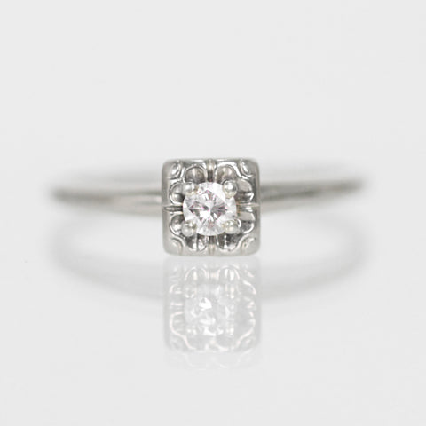 Antique - .14 carat Illusion Vintage Ring in 14k White Gold