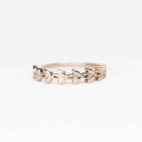 Willow - Wedding Stacking Band in Your Choice of 14K Gold