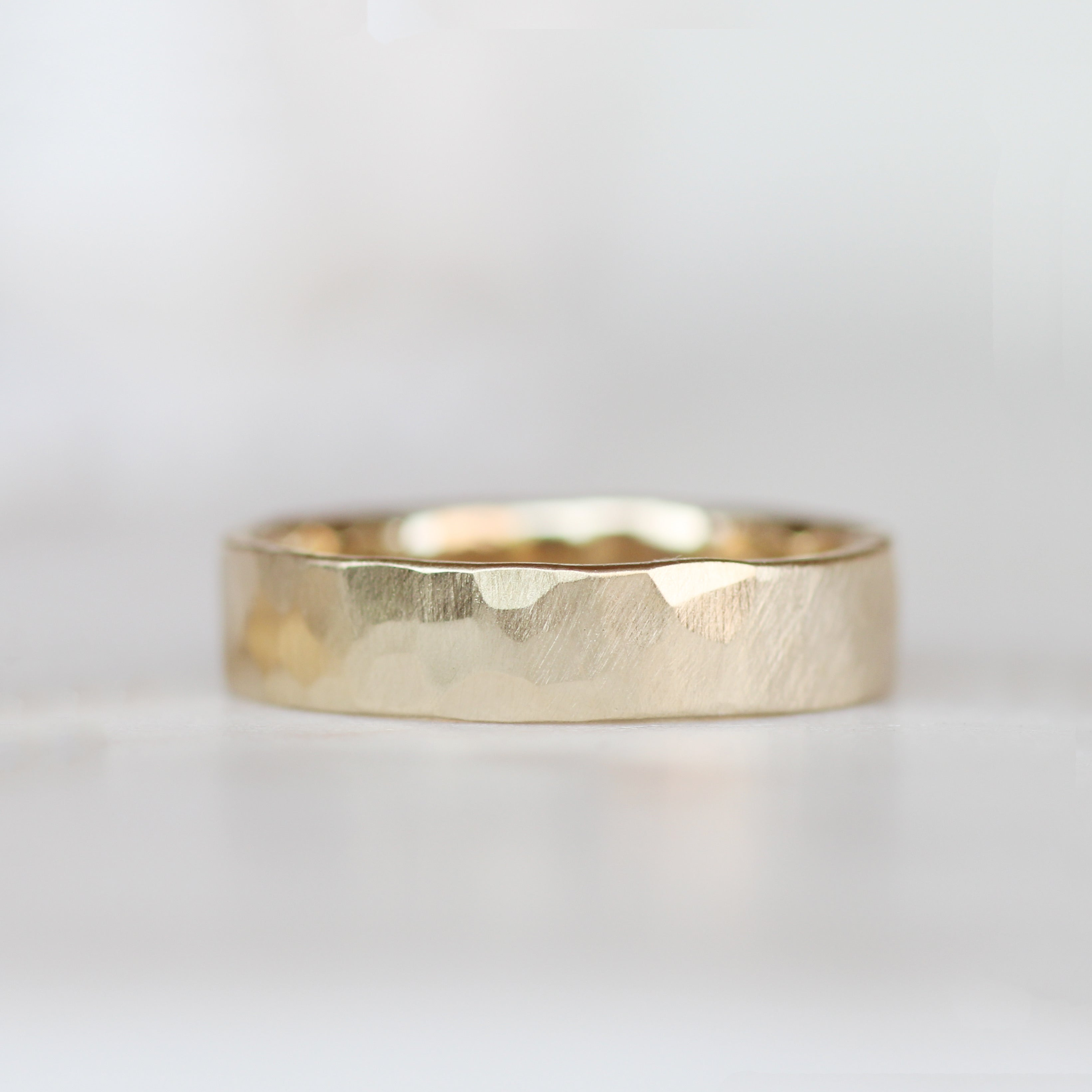 Hammered Wedding Band Ring - 4mm 5mm 6mm - Unisex