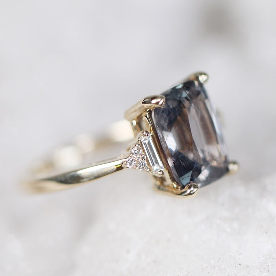 Inspiration ring - Autumn ring with your choice of center sapphire + side diamonds - Celestial Diamonds ® by Midwinter Co.