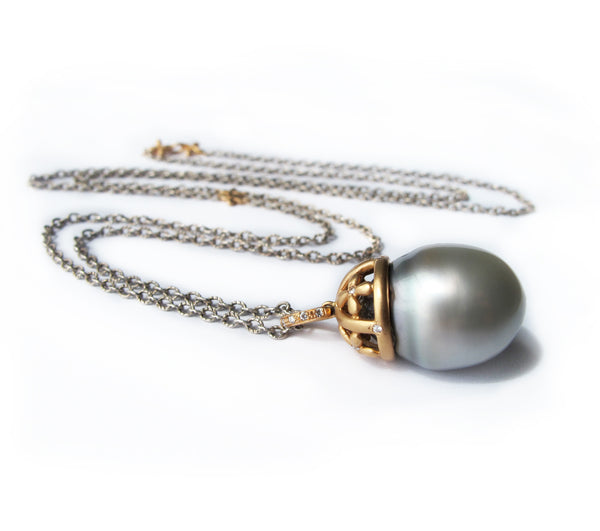 Grey Tahitian pearl necklace