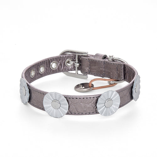 Flower shapes with rivets leather pet collar