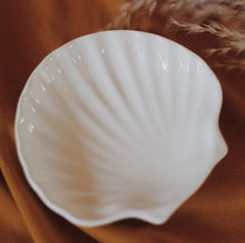 Load image into Gallery viewer, Shell Dish