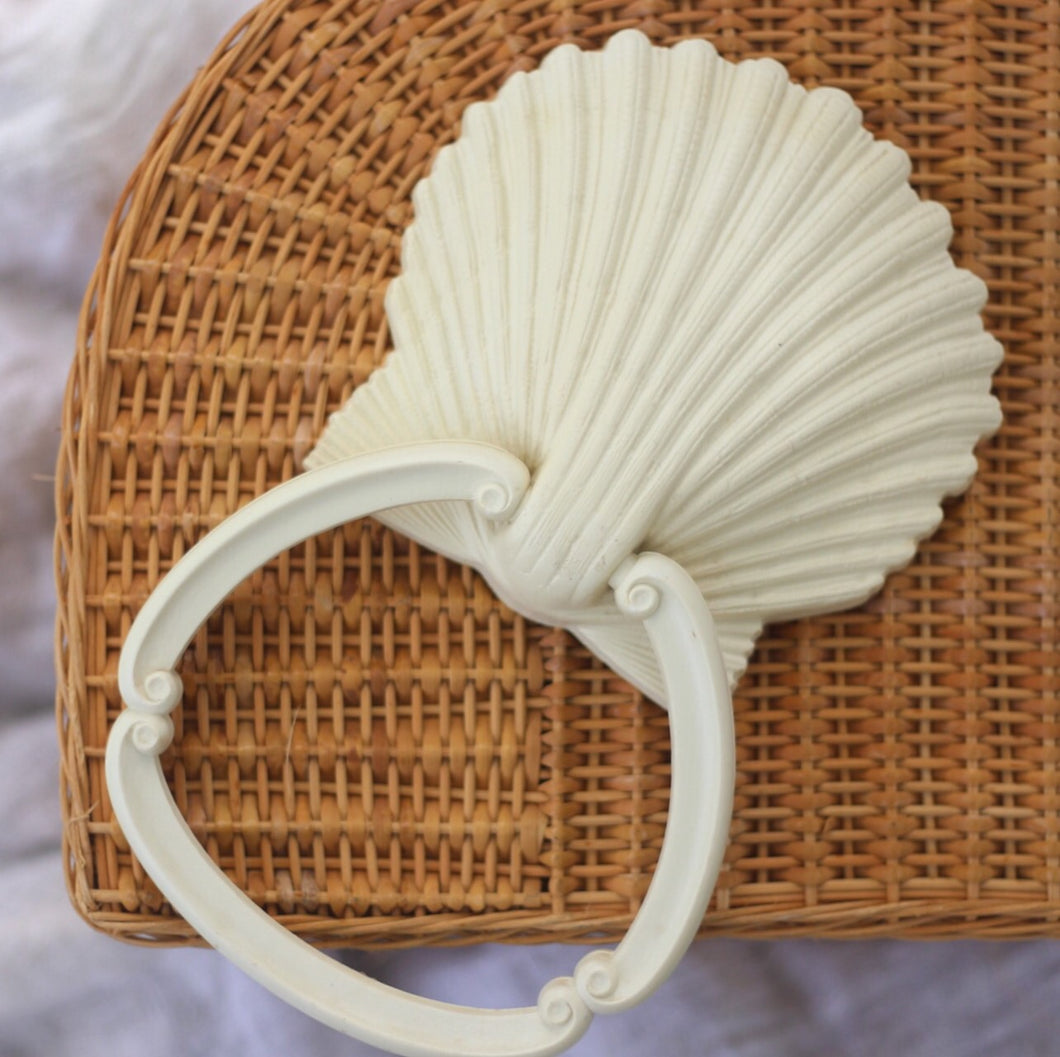 Shell Towel Ring