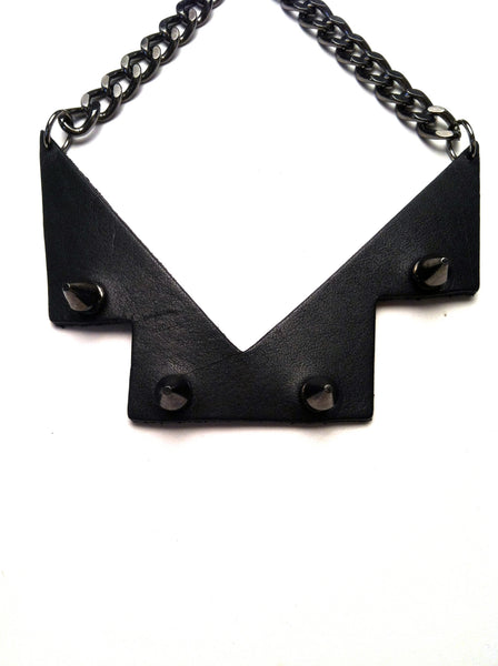 The Venus stud choker necklace