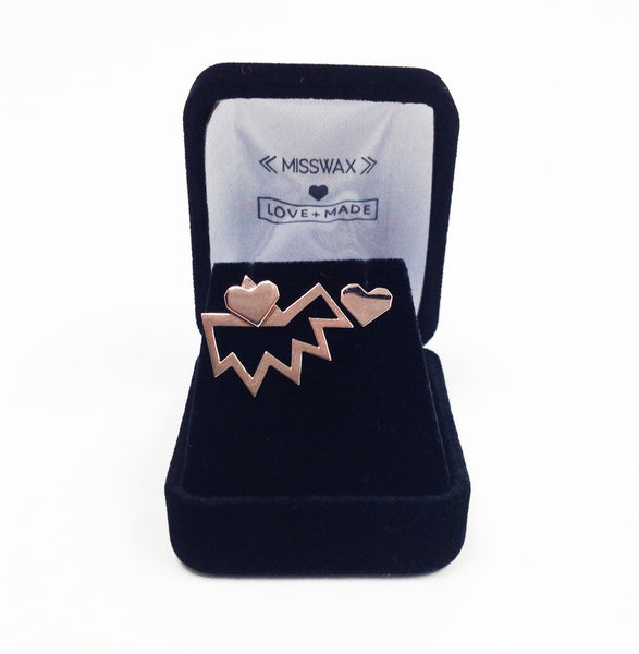 Love+Made x Miss Wax stud earring ( Gold )