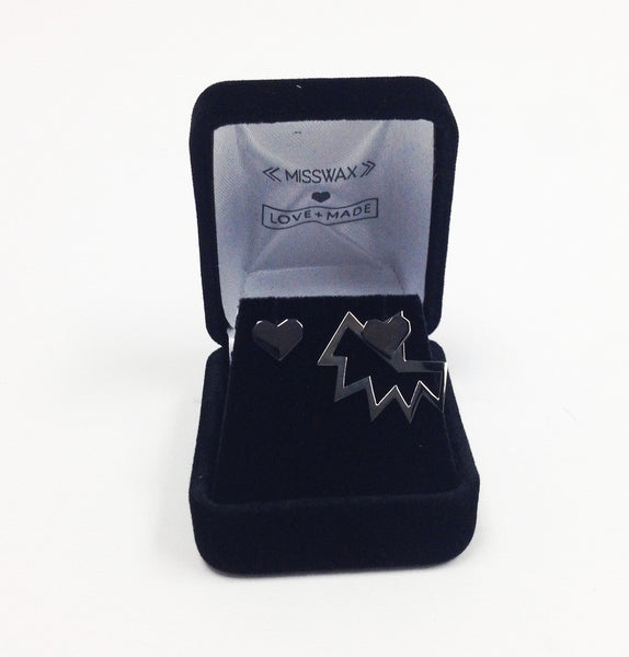 Love+Made x Miss Wax stud earring ( gunmetal )