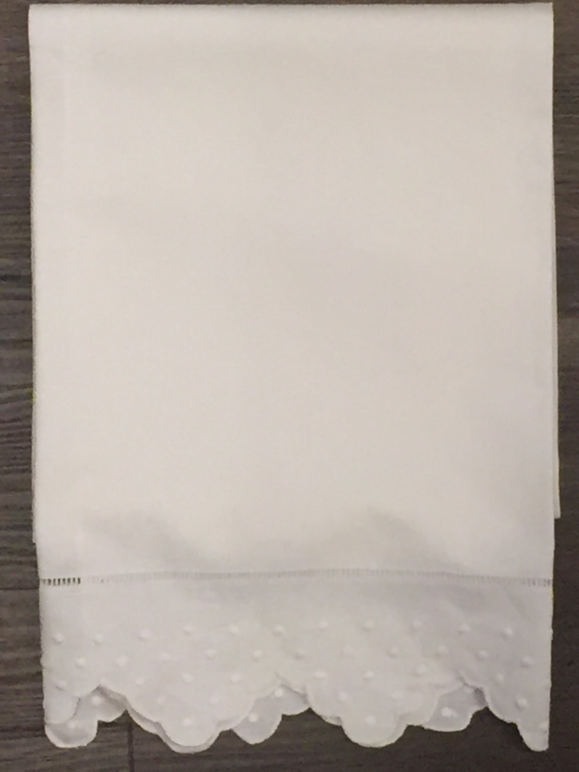 Euro-sized Scalloped Edge Guest Towel