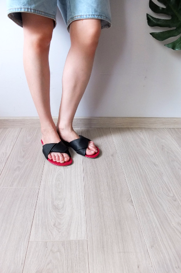 Fold Sandals)sold out