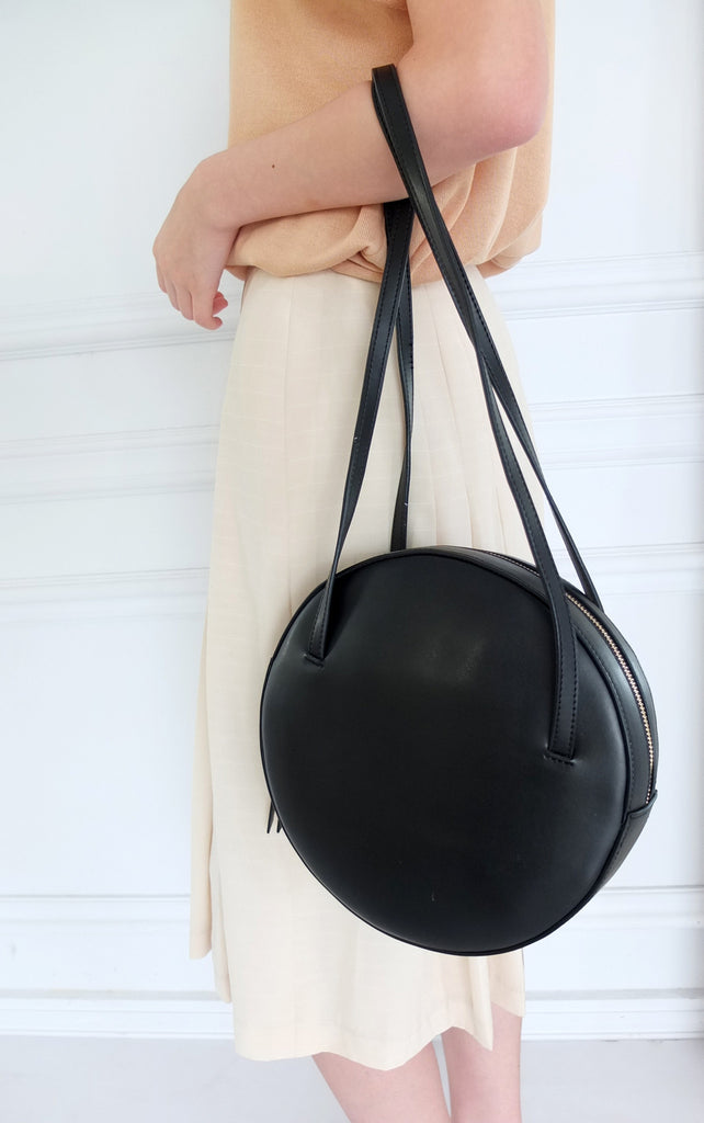 Cercle bag (2c. black/white)