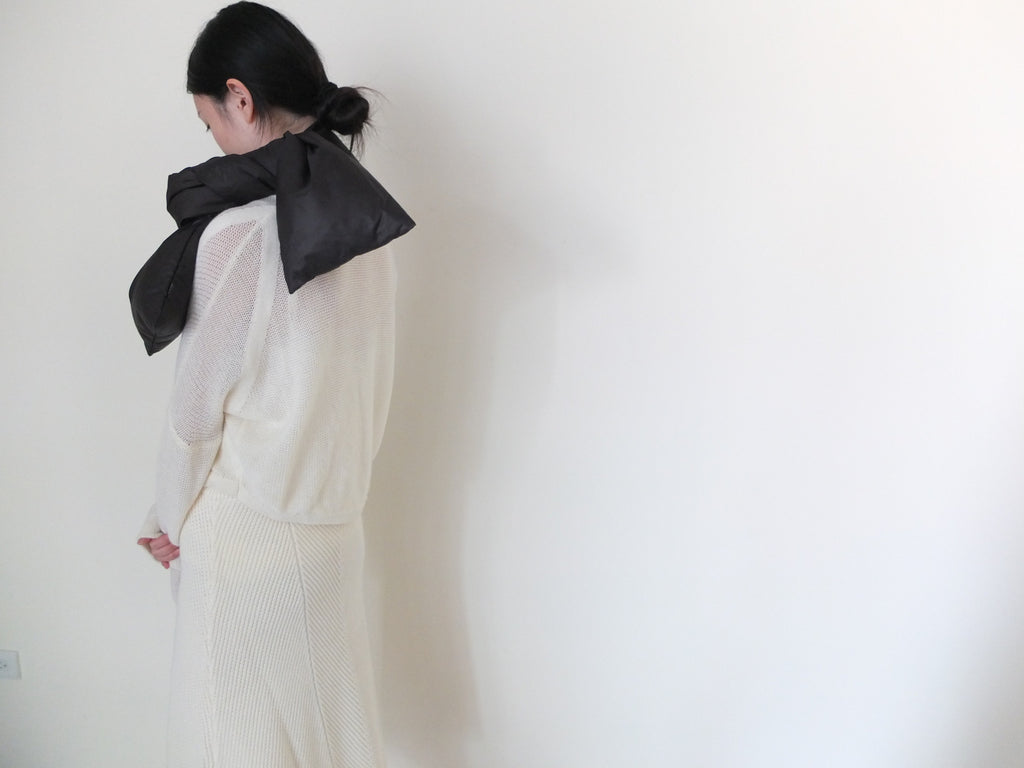 PLUME SCARF