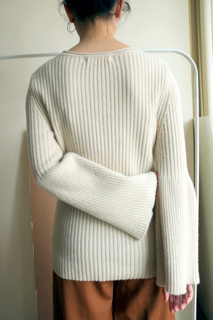 Romi sweater {one-size only,made in korea}-sold out