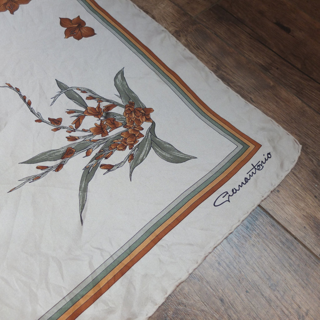 Germantonio scarf (BRAND: GERMANTONIO,vintage)
