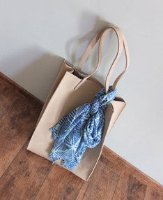 Ezzie Tote{SOLD OUT}