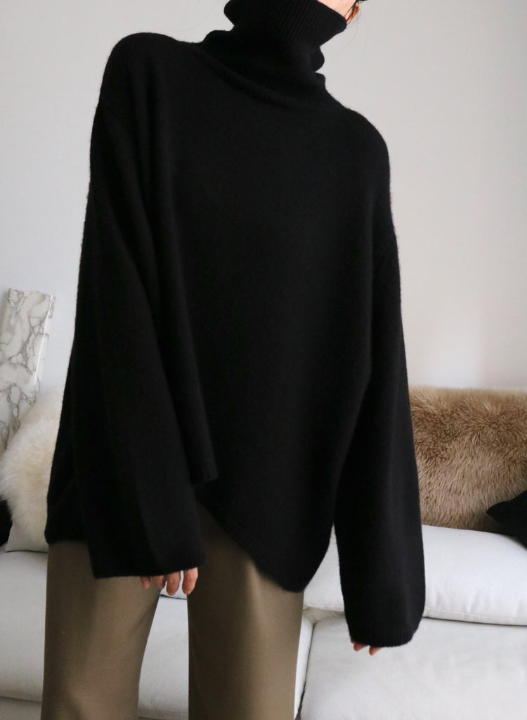 Liv Sweater-black (upgraded material)