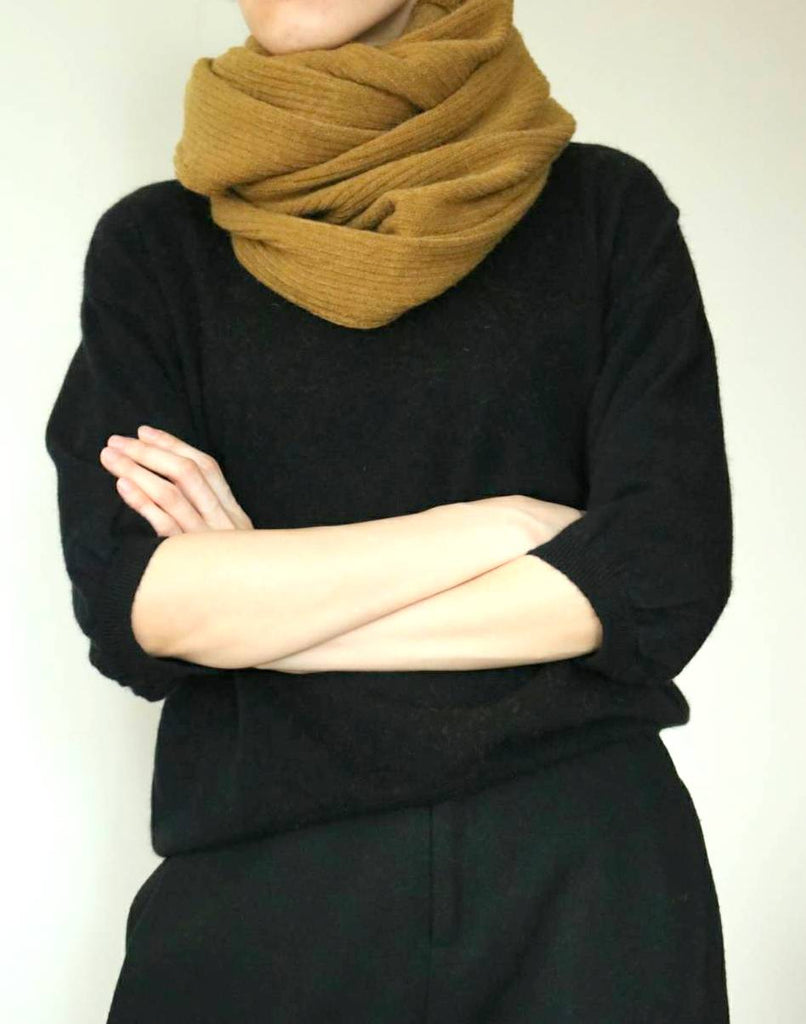 lucie cowl scarf-sold out
