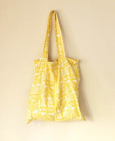 Noura tote-sold out