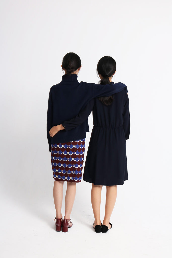 scallop skirt (on the left)-sold out