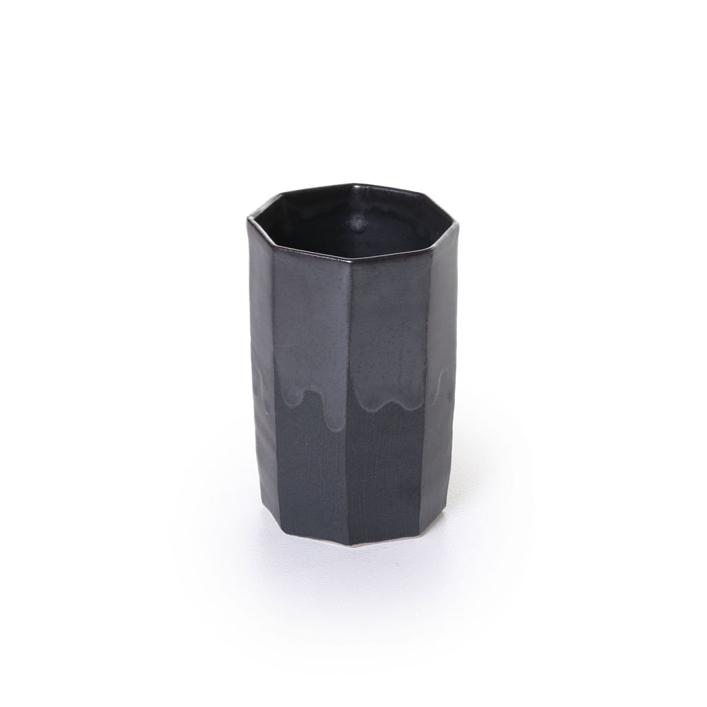hirata - facetted black mat cup