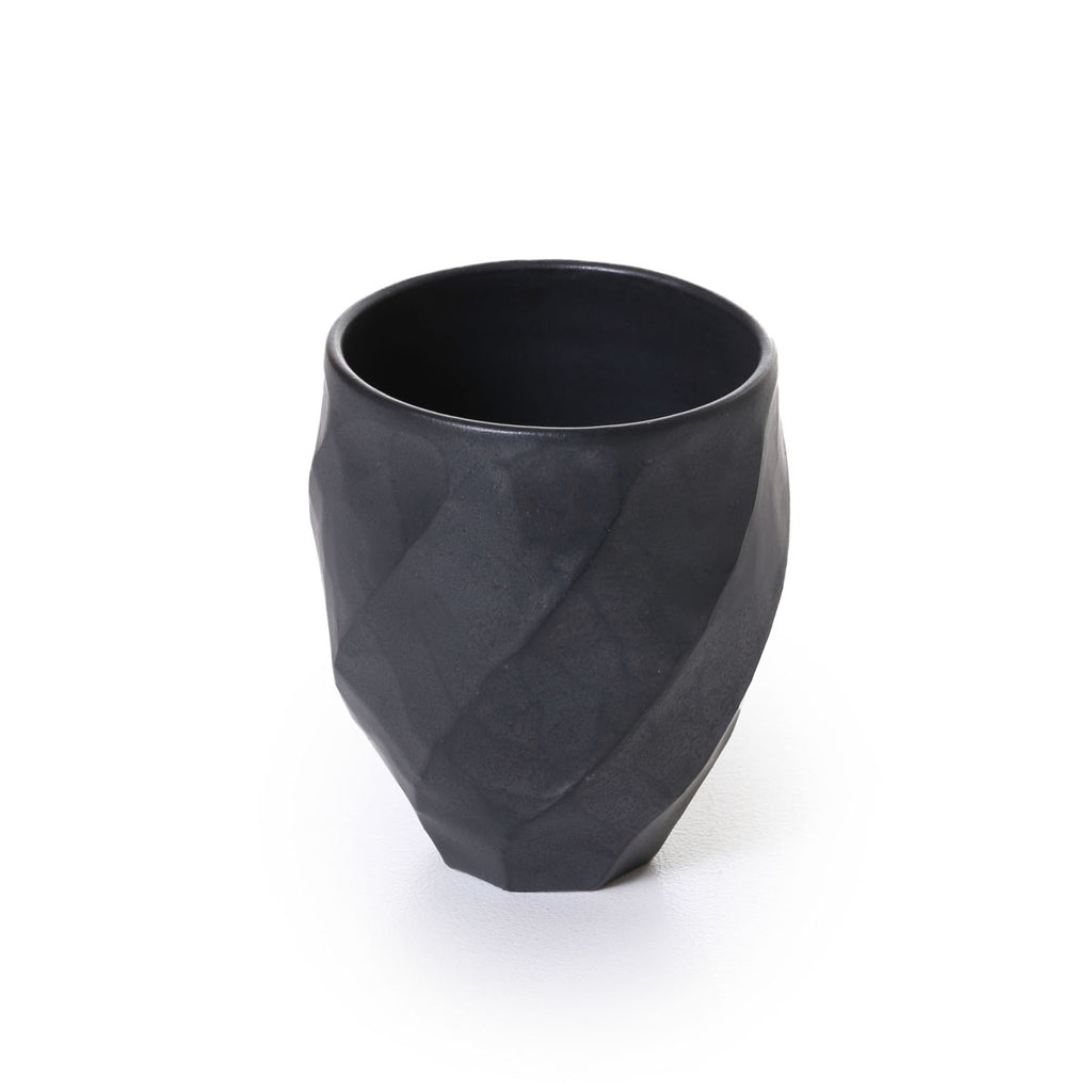hirata - twist facetted black mat cup