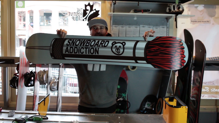 How To Remove Wax From Your Snowboard