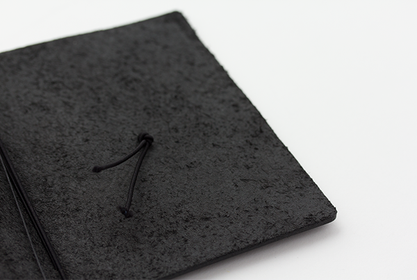 TRAVELER'S notebook Black Passport