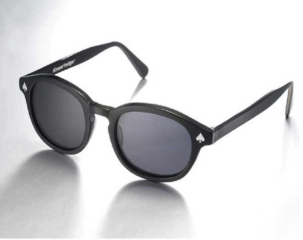 Know1edge Sun Spade Sunglasses in Black
