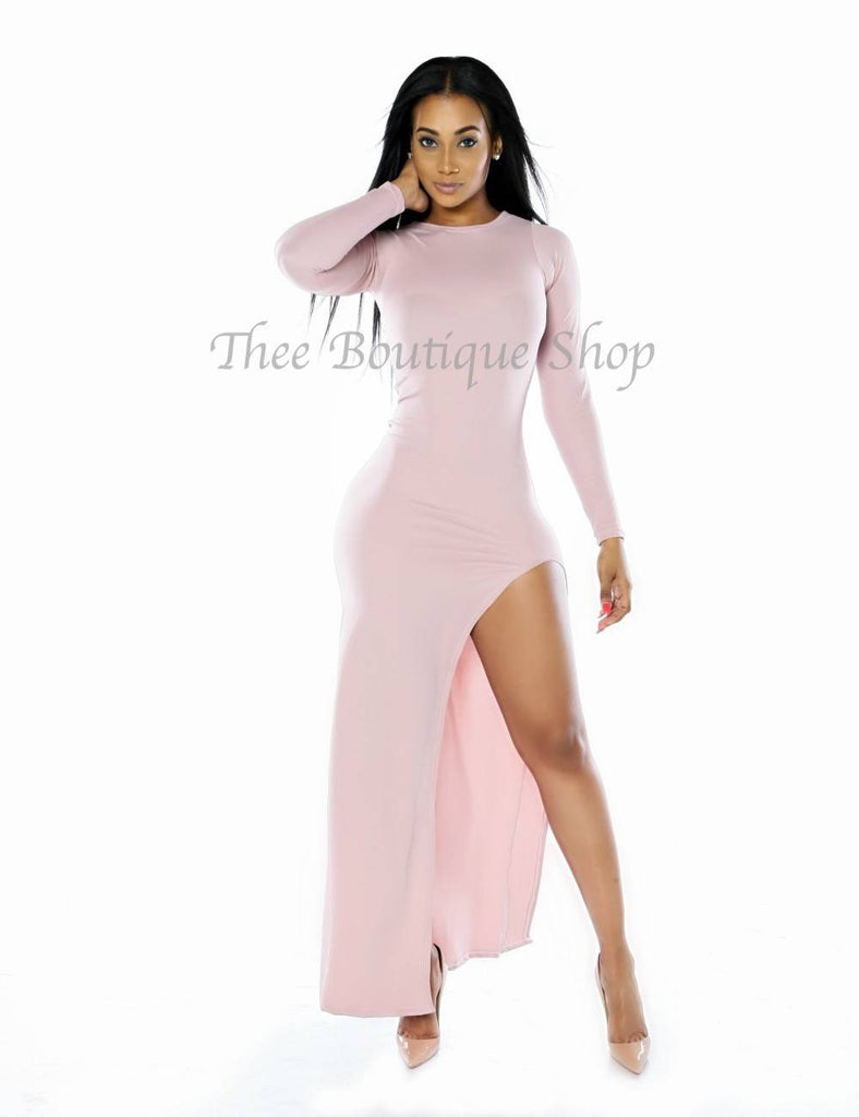 The Classic Demure Maxi Dress (Blush) - Thee Boutique Shop