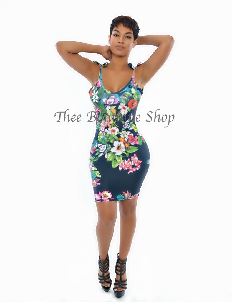 The Flora Classic La Mode Body-Con Dress