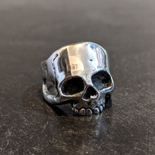 Load image into Gallery viewer, Joven Skull Ring