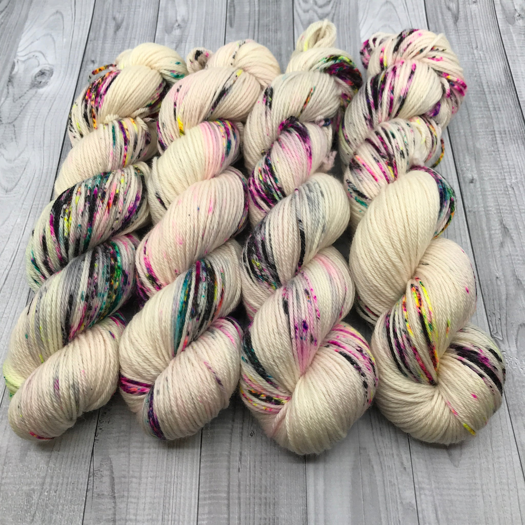Oscar Worsted - Color Me Bare