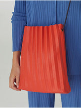 Load image into Gallery viewer, Cross Body Pleated Bag-Coral