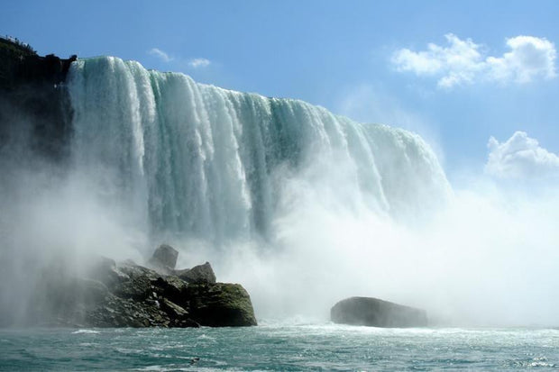 Splashes of the Niagara falls, Canada Wall Mural-Buildings & Landmarks,Landscapes & Nature-Eazywallz