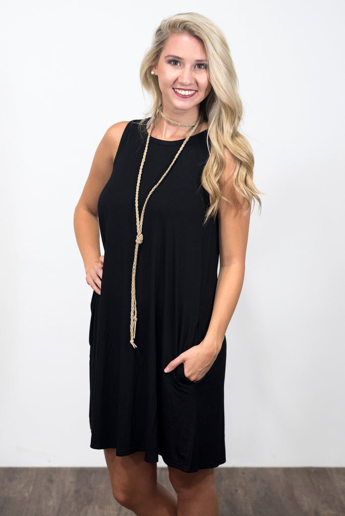 Sleveless Swing Style Piko Dress in Black