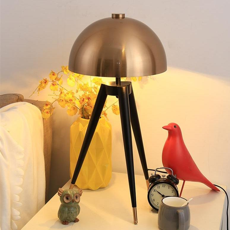 mushroom-desk-lamp-in-display-Zavato-Home