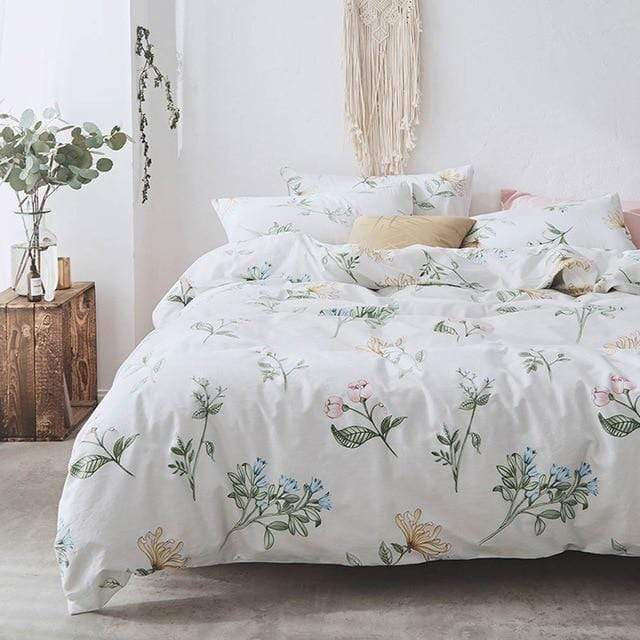 White Florals Bedding Set