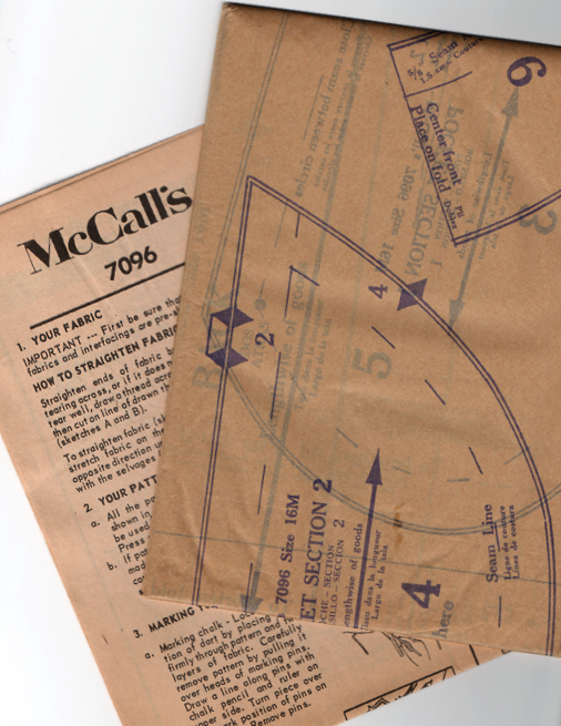 McCalls 7096 1960s Vintage Sewing Pattern - Misses Dress Pattern