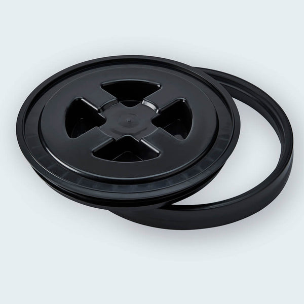 Gamma Seal Bucket Lid unscrewed