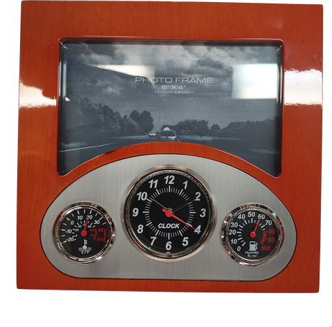 Dashboard clock in Woodgrain