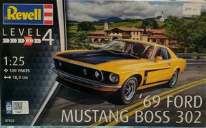 Boss 302 Mustang 69 Plastic Model Kit