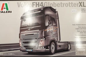 Volvo FH4 Globetrotter Plastic Model Kit