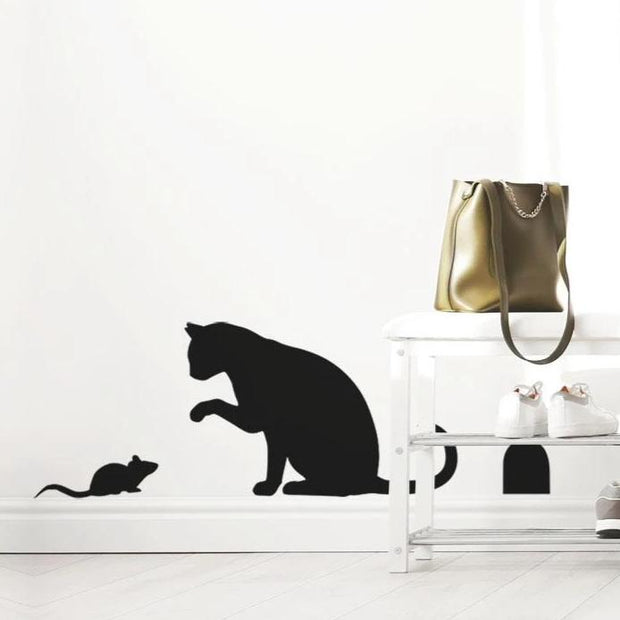 Cat and mouse stencil