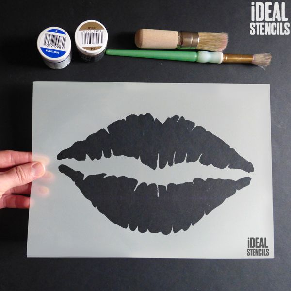 Pouting Lips Kiss Stencil