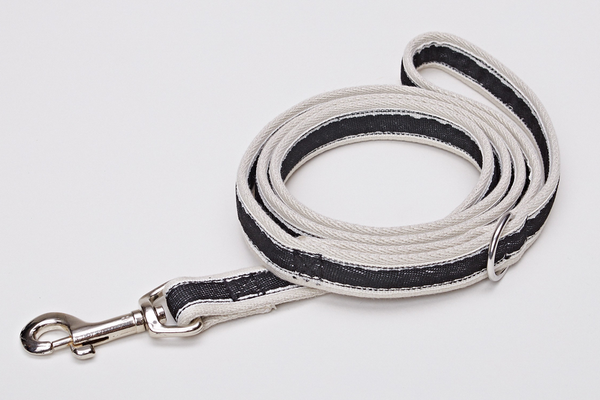 DOG LEASH HUGO BLACK - Lavish Tails