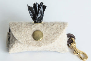 DOGGY-DO-BAG FELT / SNAPHOOK - Lavish Tails