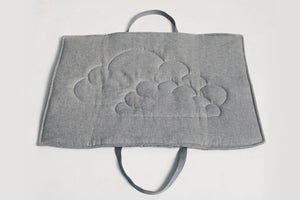 TRAVEL BED LIGHT GREY/EMBROIDED - Lavish Tails