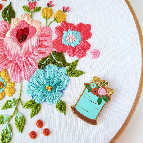 Floral Sewing Spool Needle Minder for Embroidery,Cross Stitch